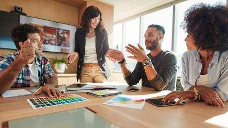 As startups estão captando a atenção daqueles que buscam ou adentrar no mercado de trabalho pela primeira vez, ou à procura de recolocação na carreira, segundo estudo do LinkedIn