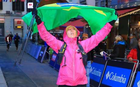 """Primeira brasileira a cruzar a linha da """"Ultra Trail Du Mont Blanc"""" relata sua experiência na prova"""