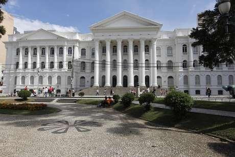 Prédio principal da Universidade Federal do Paraná, em Curitiba
