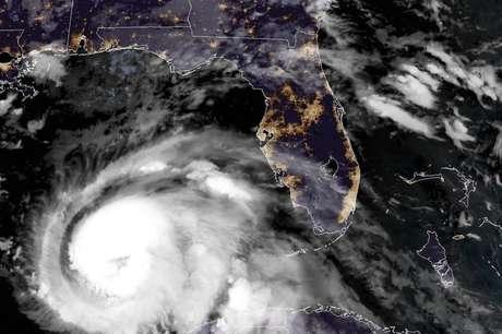Michael se tornou 'um furacão extremamente perigoso de categoria 4'