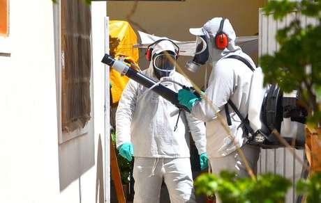 Ação contra o mosquito da dengue em área infestada de Marília, interior de São Paulo