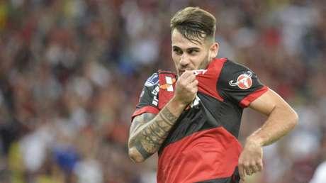 Esperança para o futuro do ataque Rubro-Negro, Felipe Vizeu encantava a torcida com sua dedicação e oportunismo dentro da grande área. Autor de gols decisivos, o jogador caiu rapidamente nas graças da torcida. Fez sua estreia entre os profissionais em 2016, ganhando destaque na campanha do clube até a final da Copa Sul-Americana, em 2017. No início deste ano, o Flamengo anunciou a venda de Vizeu à Udinese por 6,5 milhões de euros (aproximadamente 28 milhões de reais na cotação atual).