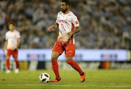 Eduardo Neto chegou ao Nagoya Grampus nesta temporada (Foto: Divulgação / Nagoya Grampus)