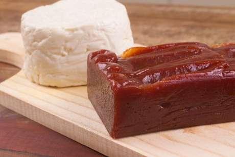 Goiabada cascão e queijo minas