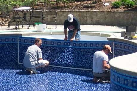 5- Como construir uma piscina de vinil necessita de cuidados especiais, procure empresas especializadas nesse tipo de revestimento.
