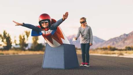 Ter variedade de experiências pode ajudar a desenvolver a confiança da criança