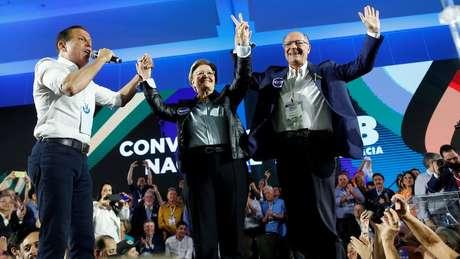 João Doria, Ana Amélia e Geraldo Alckmin em convenção do PSDB em agosto; para cientista político, grupo de Doria conduz partido no sentido contrário à autocrítica