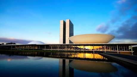 'Seria extremamente negativo para a política brasileira, principalmente com a onda conservadora que está se expressando no país, se um partido com o conteúdo ideológico do PSDB desaparecesse', avalia cientista político
