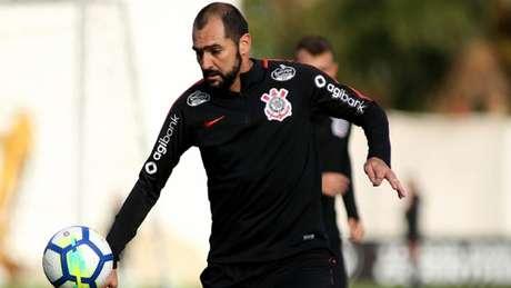 O meia Danilo deve ser titular contra o Santos, no próximo fim de semana (Luis Moura / WPP)