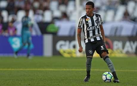 Bochecha vem sendo titular na equipe de Zé Ricardo (Foto: Vitor Silva/SSPress/Botafogo)