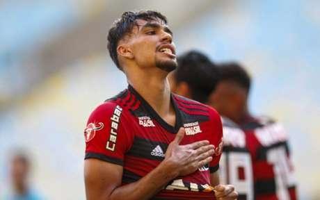 Confira imagens de Paquetá com a camisa do Flamengo