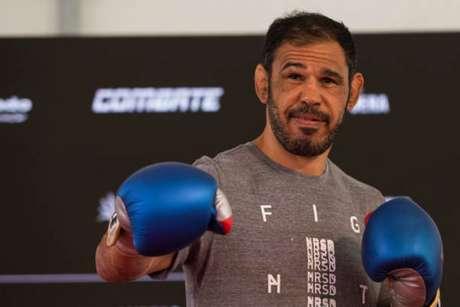 Com 42 anos, Rogério Minotouro ainda luta pelo UFC, mas já projeta seu futuro (Foto: Getty Images/UFC)
