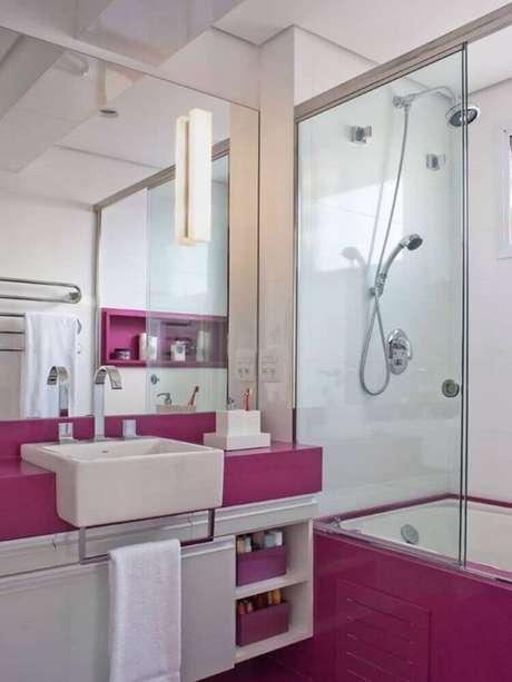 9. Invista na organização e na decoração do seu banheiro planejado – Foto: Pinterest