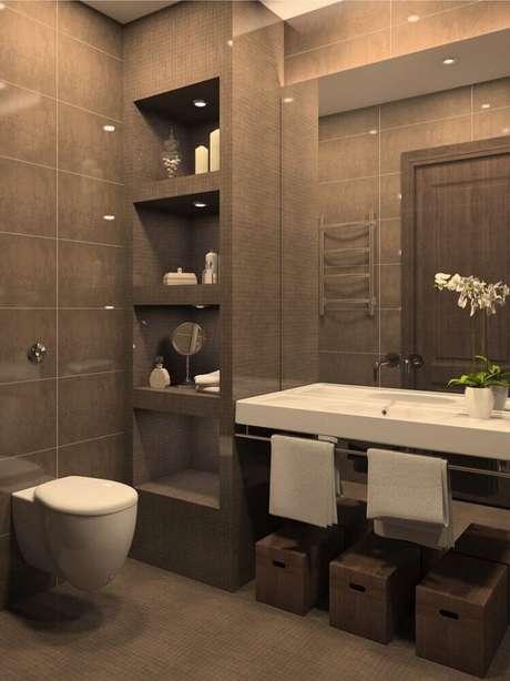 27. Banheiro planejado moderno decorado em tons de cinza com nichos embutidos – Foto: Kitchen Decor