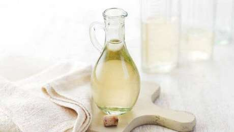 7. O vinagre branco também tem várias utilidades em casa. Foto de eCycle