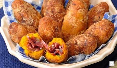 7. Croquete de abóbora com carne seca
