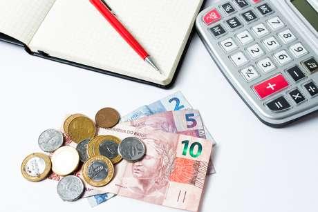 Mais de 62 milhões de brasileiros estavam com contas em atraso em setembro