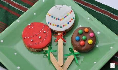 10. Pirulito de chocolate: além saboroso, é muito divertido de fazer!
