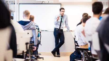 Na Estônia, os professores tiveram um incremento de renda de 80% na última década. Hoje, o salário-base dos docentes é de 1150 euros