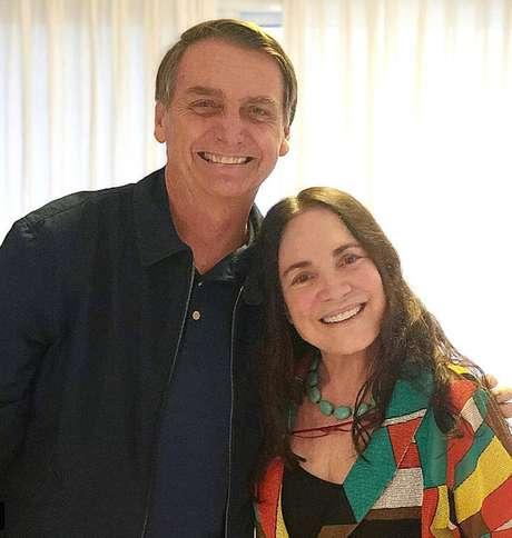 Atriz Regina Duarte em visita a Jair Bolsonaro
