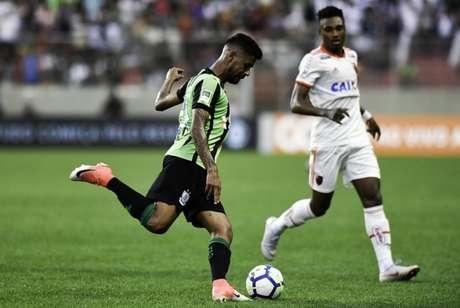 Aderlan pode ser reforços do Fluminense (Foto: Mourão Panda/América-MG)