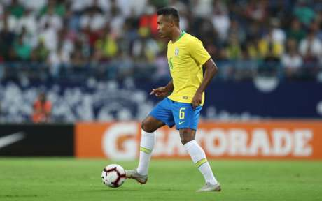 Defensor marcou seu primeiro gol com a camisa canarinha (Foto: Lucas Figueiredo/CBF)