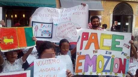 Crianças estrangeiras protestam em Lodi por acesso à merenda escolar
