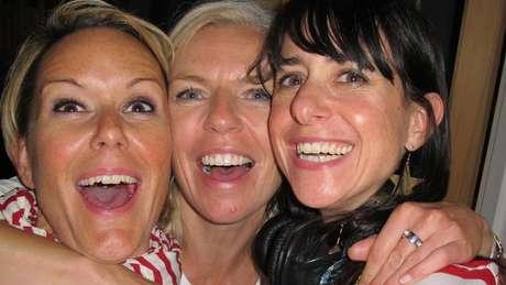 Vicky, Nicola e Janet (da esq. à dir) se apoiaram mutuamente durante a reconstrução de suas vidas pós-divórcio