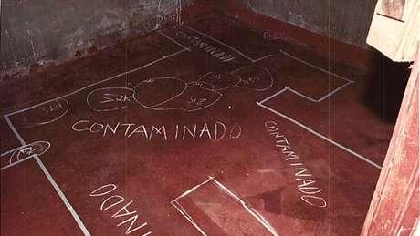 O chão de um bar também contaminado com radiação em Goiânia