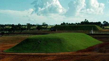 O local onde os resíduos contaminados do acidente em Goiânia estão enterrados