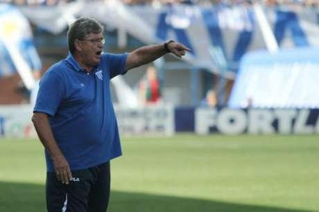 Geninho destaca vitória para seguir pensando no acesso à elite (Foto: Divulgação / Avaí)