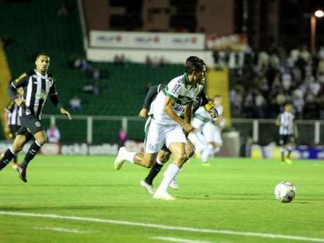Guilherme Parede marcou o segundo gol do Coxa em Floripa (Foto: Divulgação/ Coritiba)