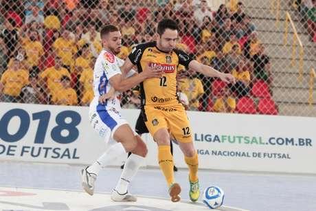 Magnus Futsal superou Joaçaba no primeiro jogo das oitavas da Liga Nacional  (Foto  Divulgação 4032de0cd4503