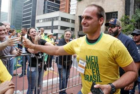 O deputado Eduardo Bolsonaro em ato de campanha