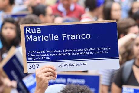 Escola de samba Mangueira homenageará vereadora morta em março no desfile do Carnaval 2019