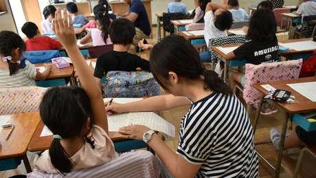 Novas reformas da educação no Japão incluem valorizar a aprendizagem ativa, onde o aluno é protagonista e o professor, mediador