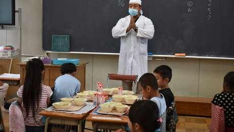 Ao contrário do Brasil, mais da metade dos docentes nos últimos anos do ensino fundamental japonês é formada por homens
