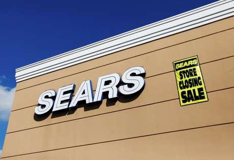 Placa anuncia liquidação de fechamento de loja da Sears em Nova York , nos EUA  10/10/ 2018.  REUTERS/Shannon Stapleton