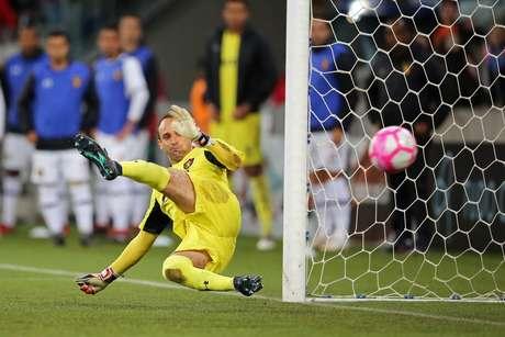 Magrão sofre gol de pênalti