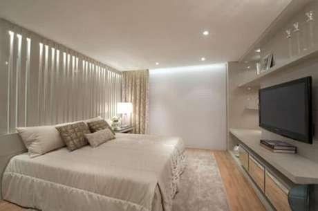 4- A decoração para quartos pequenos tem objetos acoplados às paredes. Fonte: Pinterest