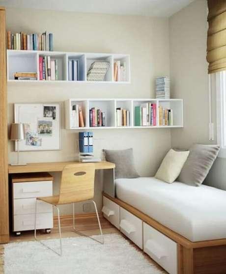 7- Na decoração de quartos pequenos para crianças os móveis devem aproveitar cada cantinho do cômodo. Fonte: Pinterest