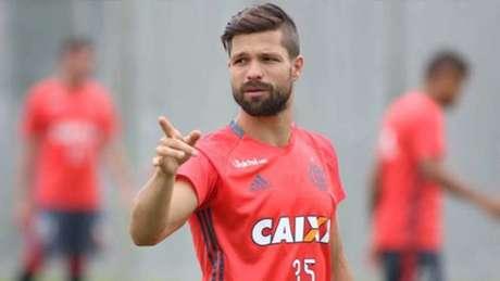 Diego voltou a treinar com o elenco do Flamengo no Ninho do Urubu (Foto: Gilvan de Souza / Flamengo)