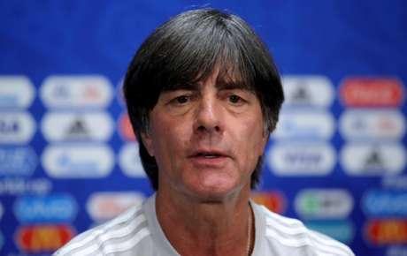 Löw tem sido questionado também por não utilizar jogadores mais novos na seleção (Foto: Divulgação / DFB)