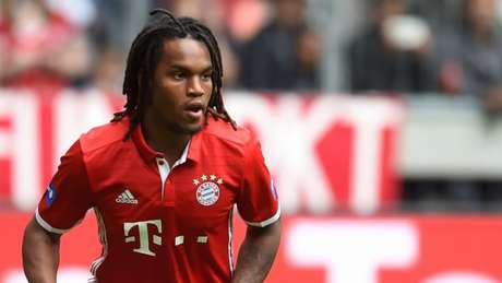 Meia esteve emprestado ao Swansea, mas voltou ao Bayern (Foto: Christof Stach/AFP)
