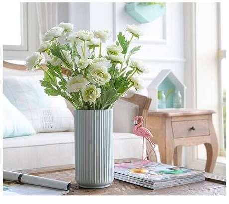 1- Os arranjos de flores artificiais são excelentes alternativas para decoração de ambientes. Fonte: Aliexpress