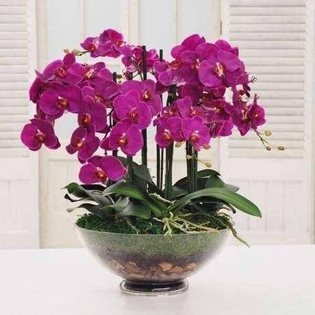 49- As flores artificiais modernas são de extrema qualidade. Roberta Rocha