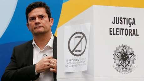Bolsonaro tem feito elogios ao 'perfil de Sergio Moro' como juiz criminal