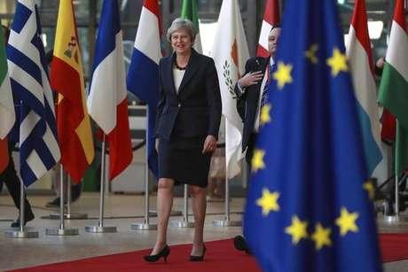 A primeira-ministra do Reino Unido, Theresa May, chega ao Conselho Europeu para cúpula de líderes