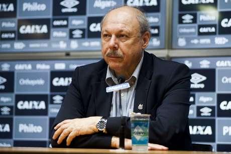 Peres pretende reforçar quatro posições do Santos em 2019 (Foto: Ivan Storti/Santos)