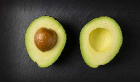 ABACATE: também é uma gordura boa que ajuda a dar saciedade